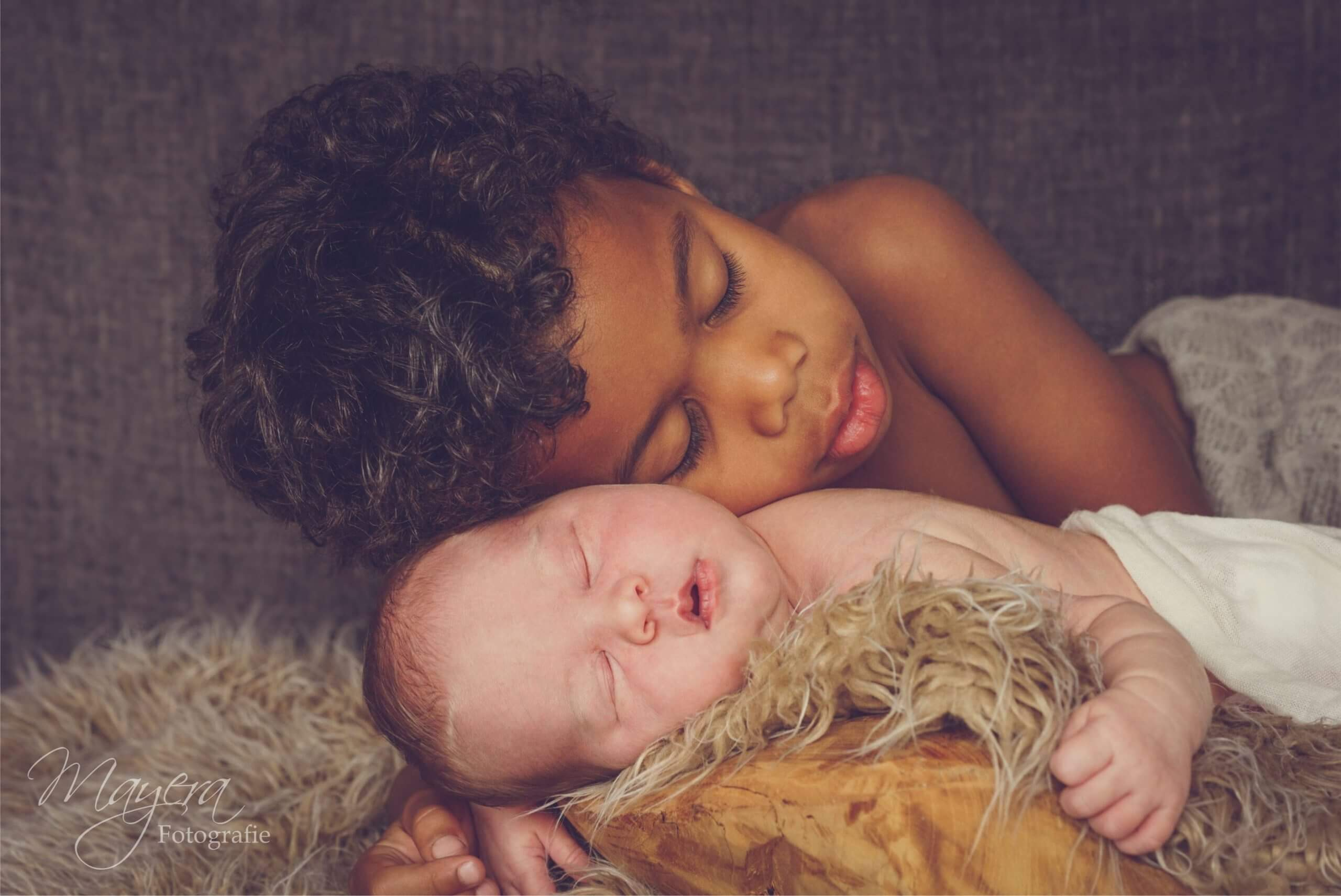 Broer en zus fotografie newborn