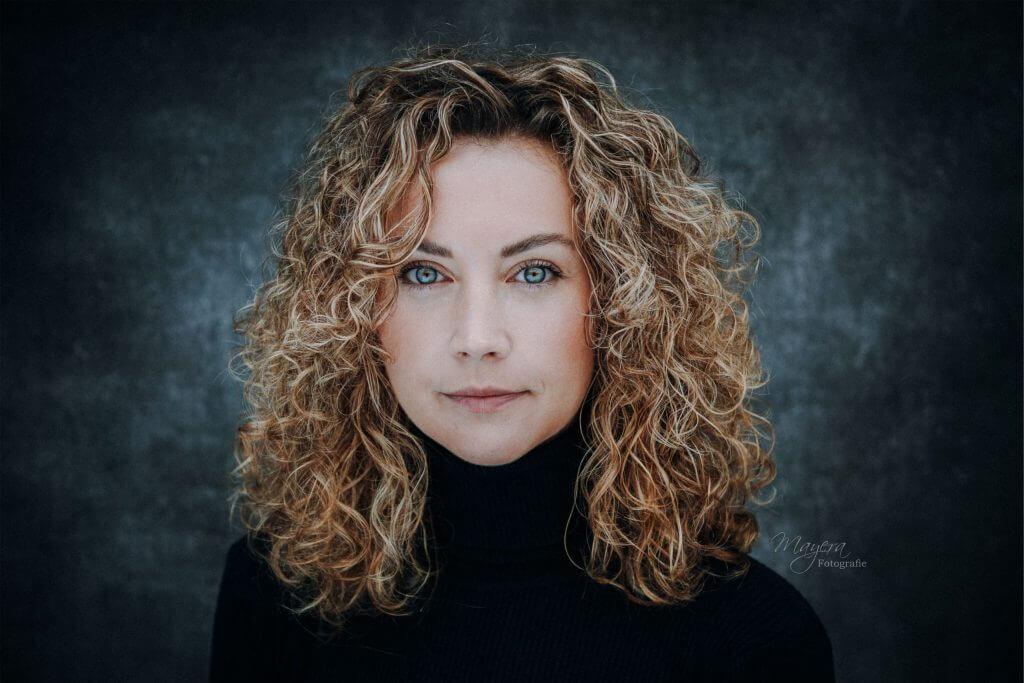 daglicht-portret-vrouw-scaled