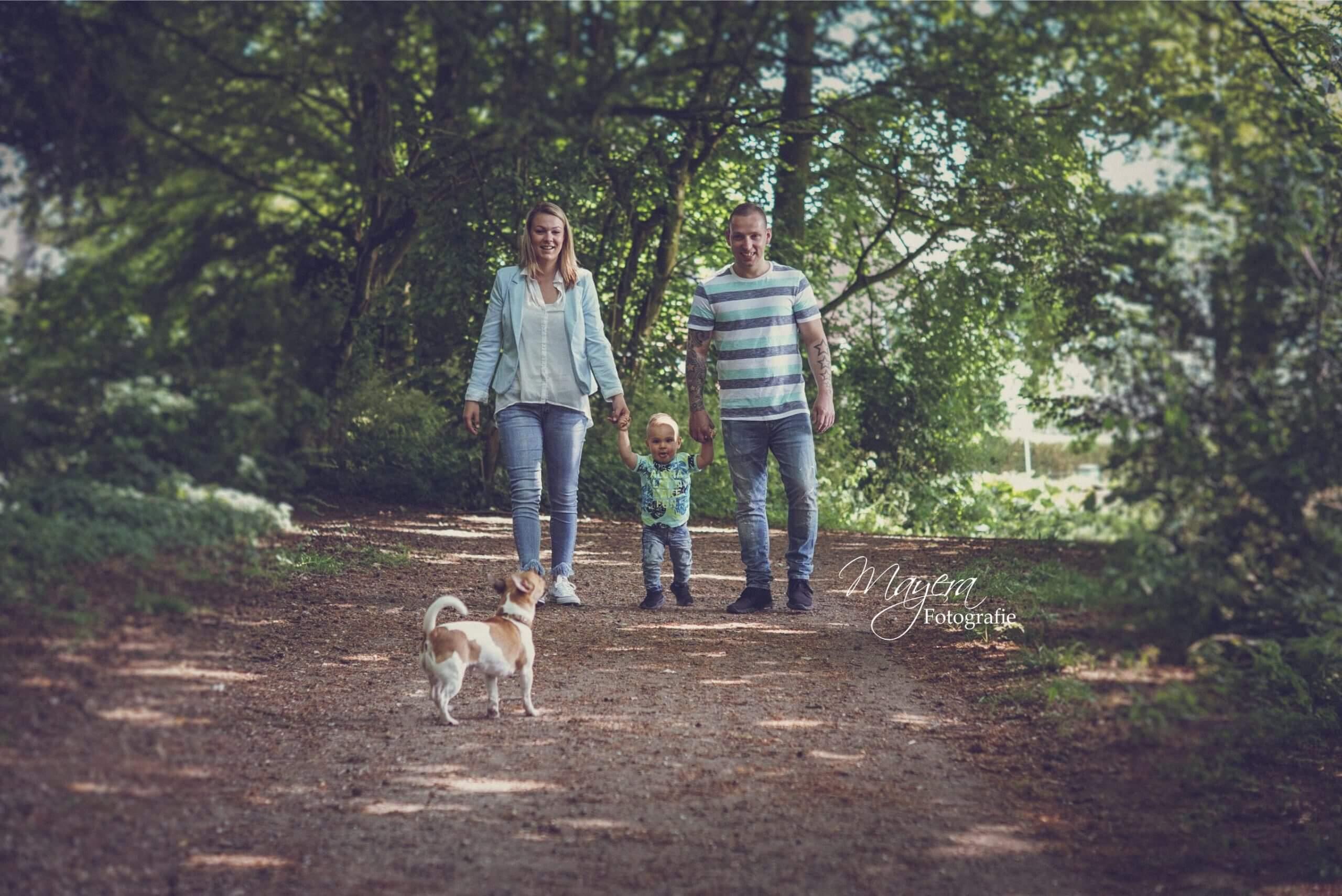 gezinsfoto in het bos