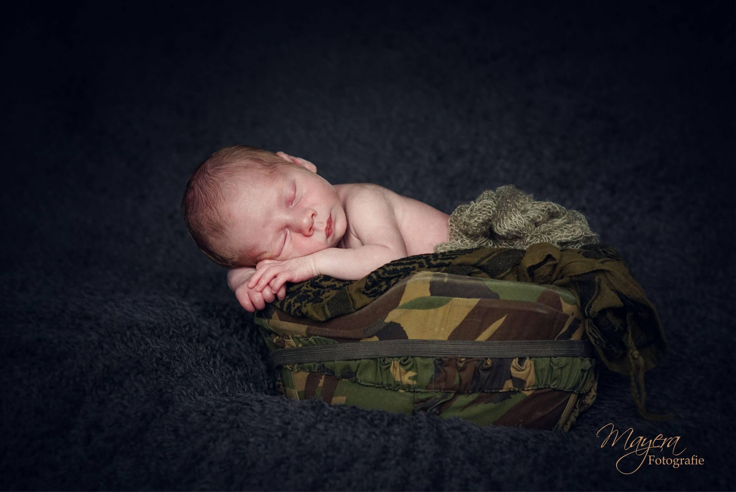 helm vader newbornsessie