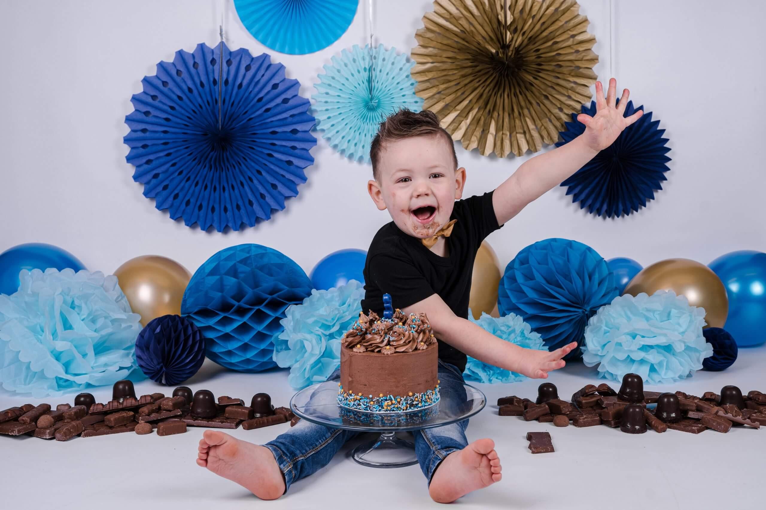 jongen cake smash verjaardag