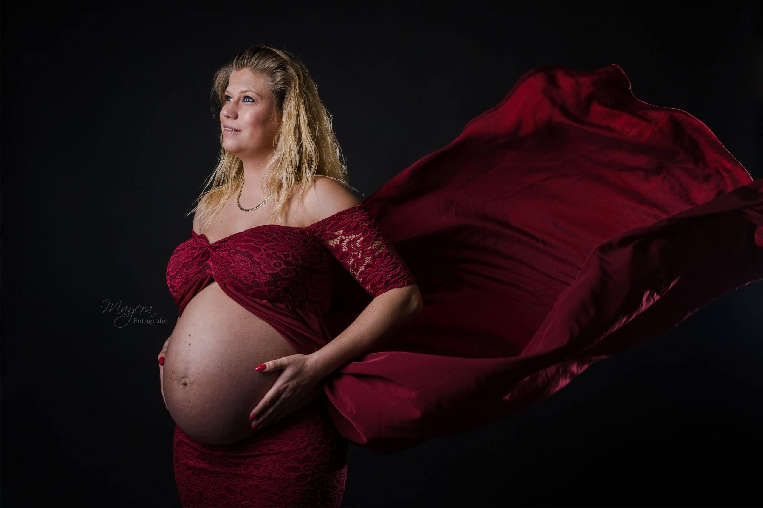 kersne rode jurk zwangerschap cothen