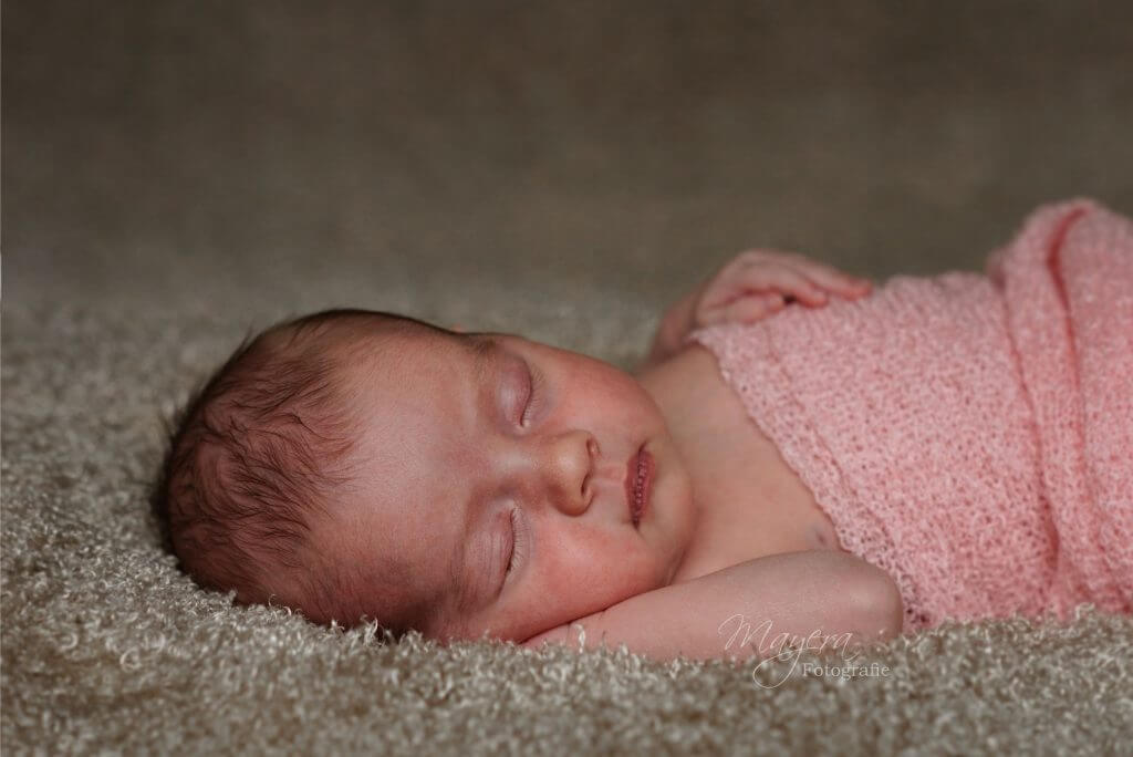 newbornfotograaf mayera