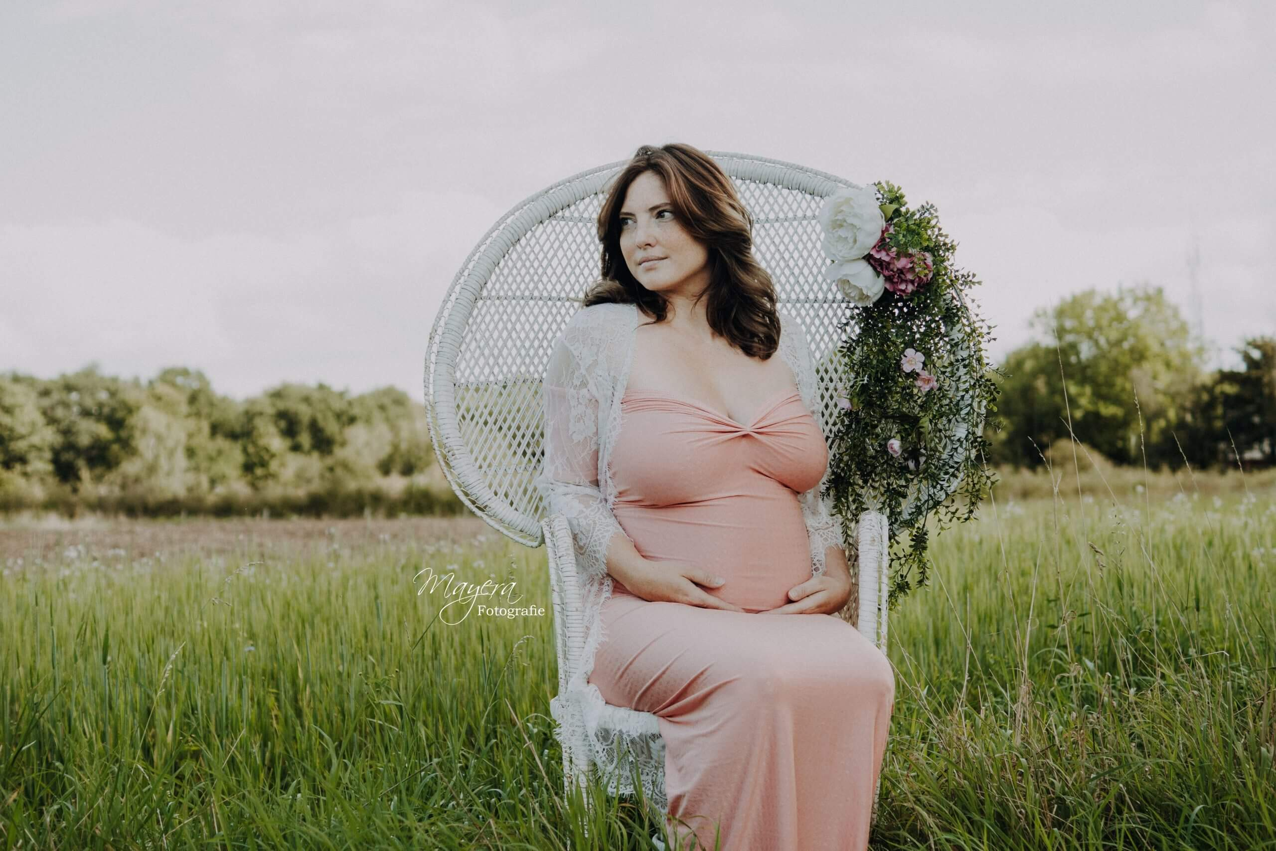 romantisch vintage fotoshoot zwangerschap