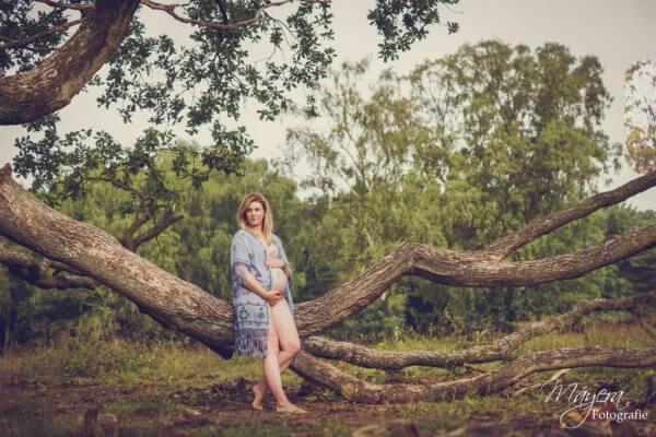 romantisch-vintage-fotoshoot-zwangerschap8-scaled
