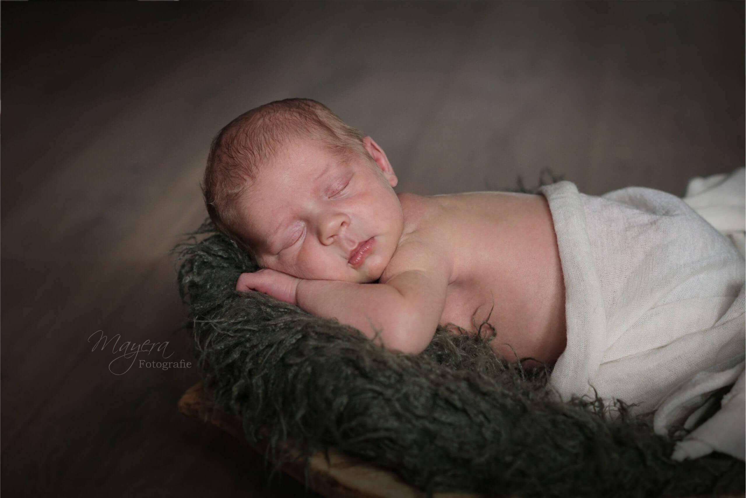 slapen jongen newborn