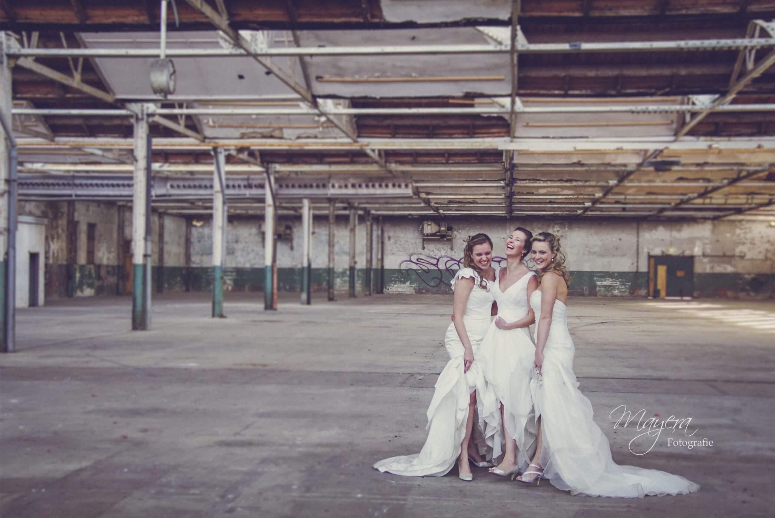 trouwjurken vriendinnen fotoshoot