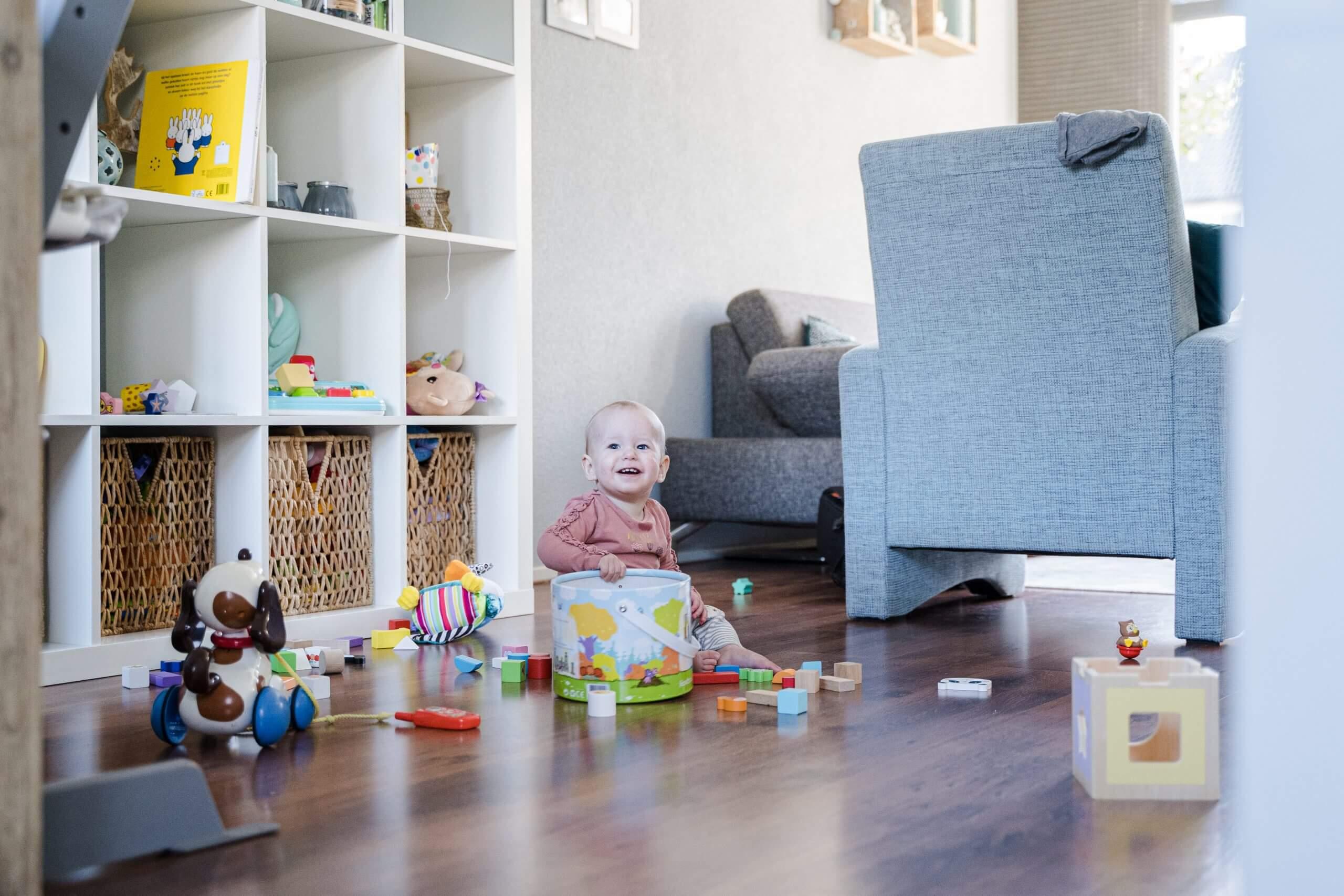 Day in the life speelgoed spelen V-tech Ikea kast