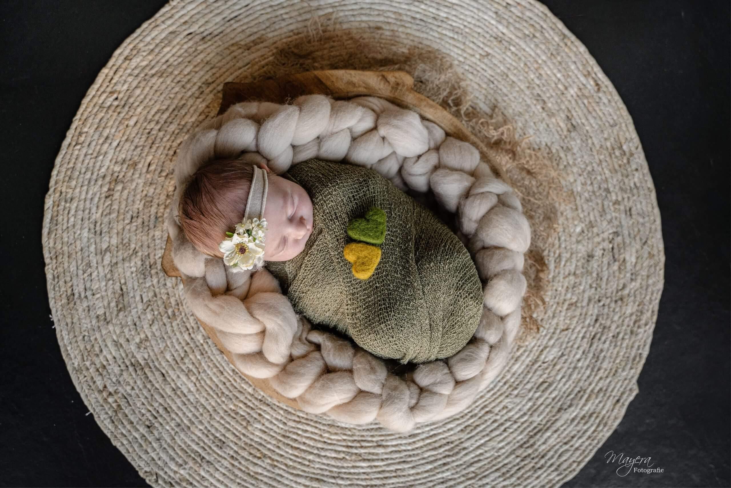 Newborn baby girl fotografe Odijk puur pure