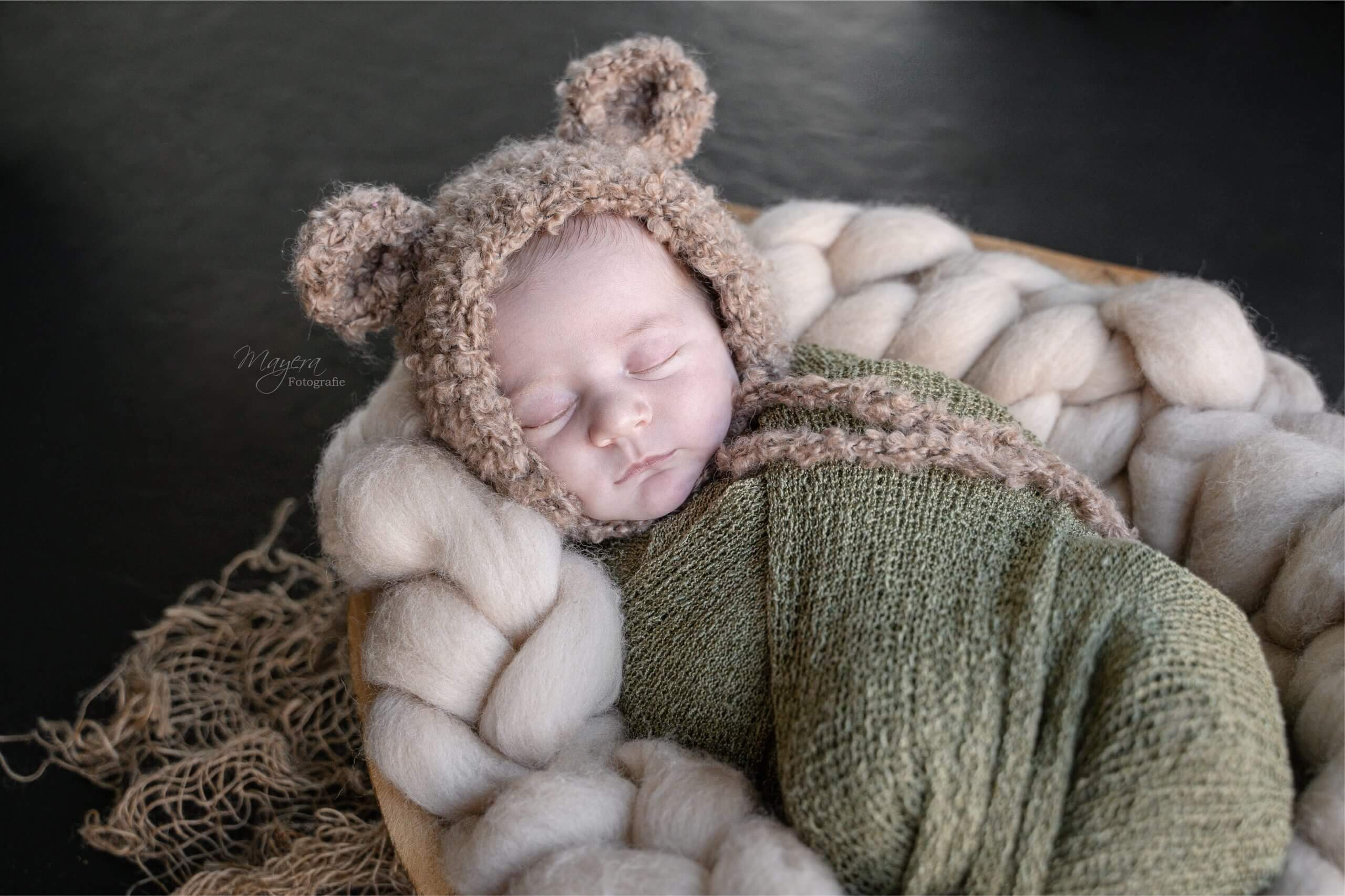 Newborn baby girl fotografe Zeist pure puur