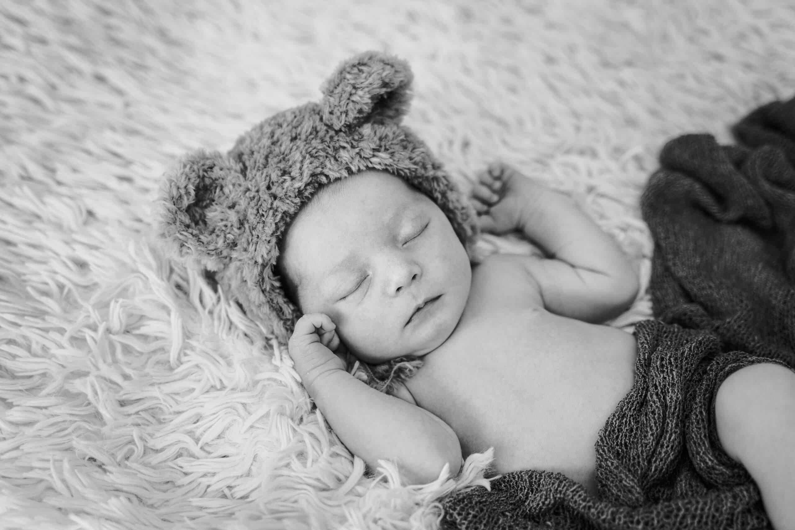 Newborn baby zwart wit nieuwegein ijsselstein houten