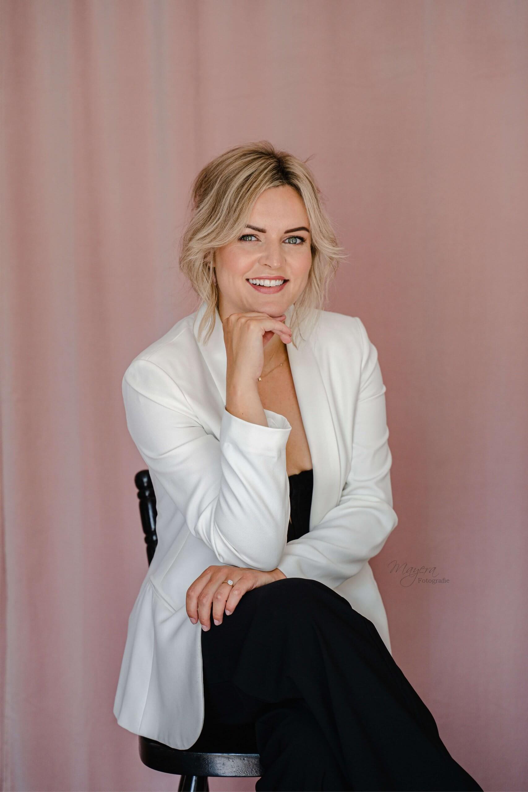 Branding feed bedrijfsreportage vrouwelijke ondernemer instagram mua make up wijk bij duurstede utrecht