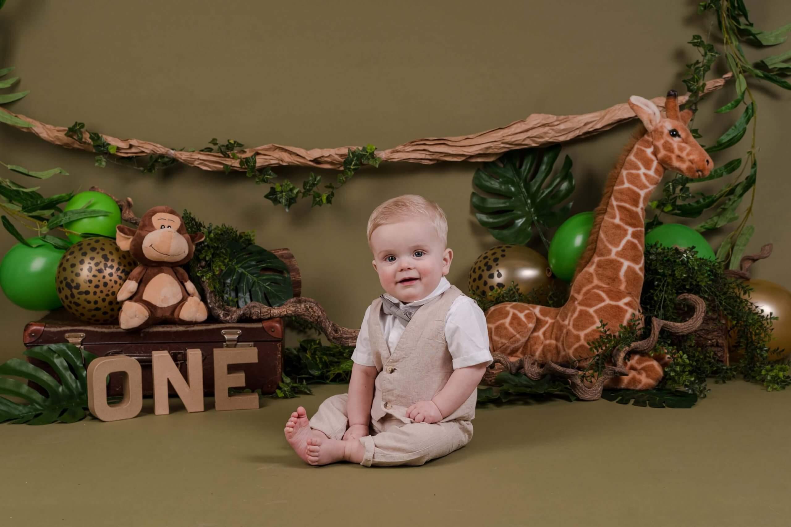 Cake smash jungle thema dieren one jarig feest jongen fotoshoot Driebergen